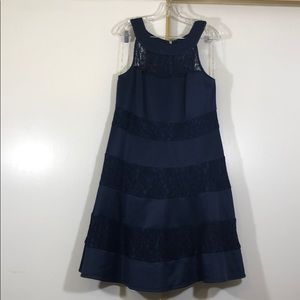 Dresses & Skirts - Navy blue midi party dress with lace